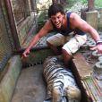 Aos 28 anos, Rodrigo Lasmar faz o tipo esportista e gosta de viajar bastante com os amigos
