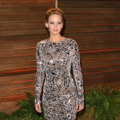 Jennifer Lawrence usa vestido transparente sem lingerie em festa pós-Oscar