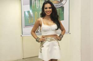 Mocidade mantém Mariana Rios no posto de rainha de bateria após estreia