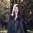 O vestido da grife Têca é todo feito em devorê de seda