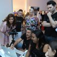 Paloma Bernardi exibe boa forma em ensaio fotográfico para marca de lingerie, em Fortaleza, em 23 de março de 2014