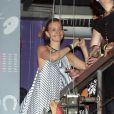Julia Lemmertz comemora aniversário com amigos na boate Barzinho, na Lapa, região central do Rio de Janeiro, em 22 de março de 2014