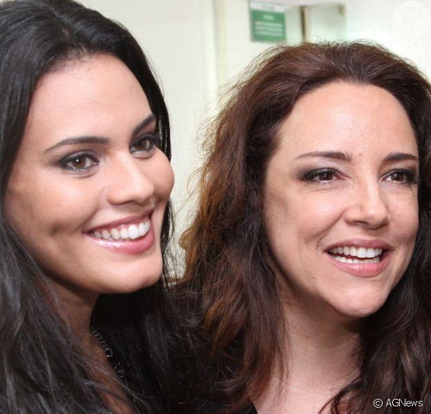 Ana Carolina revelou que está noiva de Letícia Lima