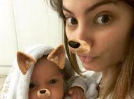 Bruna Hamú e filho, Júlio, de 1 mês, viram cachorrinhos em foto na web. Veja!