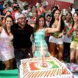 Laryssa Dias posa como uma digna passista