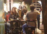 Sergio Guizé e Mayana Neiva curtem barzinho com amigos. Veja fotos!