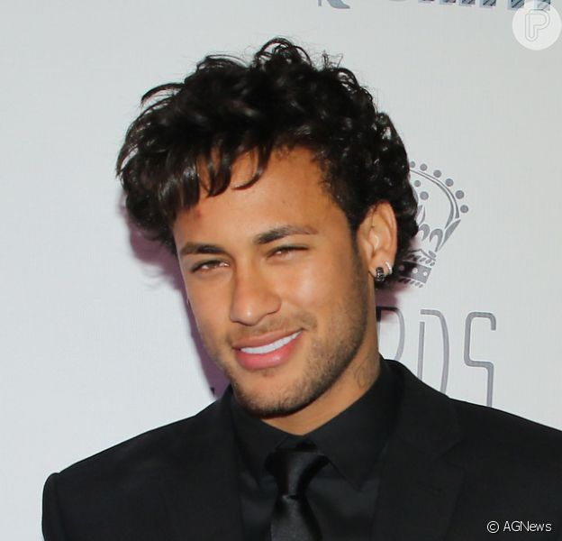 Neymar autorizou amigo a vazar a notícia do fim do seu namoro com Bruna Marquezine, diz a coluna 'Retratos da Vida', do jornal 'Extra', neste sábado, 24 de junho de 2017