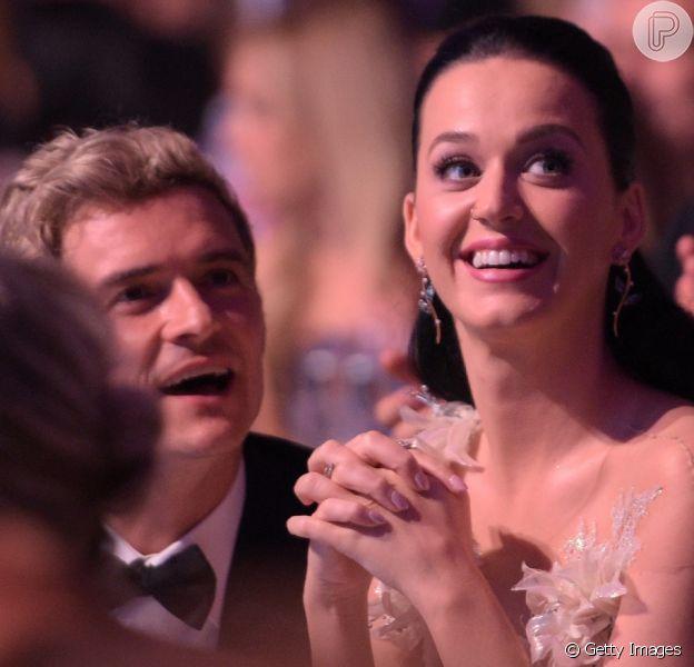 Katy Perry lembra flagra de Orlando Bloom nu em praia na Italia: 'Perguntou se queria ficar também'