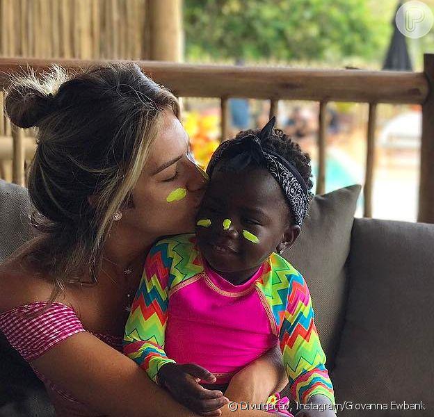 Giovanna Ewbank se emociona ao ver filha, Títi, ao lado de Gilberto Gil, nesta quarta-feira, dia 28 de junho de 2017