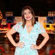 Mara Maravilha marcou presença no aniversário da apresentadora Sônia Abrão, em São Paulo, na noite de sexta-feira, 30 de junho de 2017