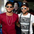 Neymar esteve na companhia da mãe, Nadine, e de amigos como o jogador Daniel Alves no Festival Villa Mix, em Goiânia