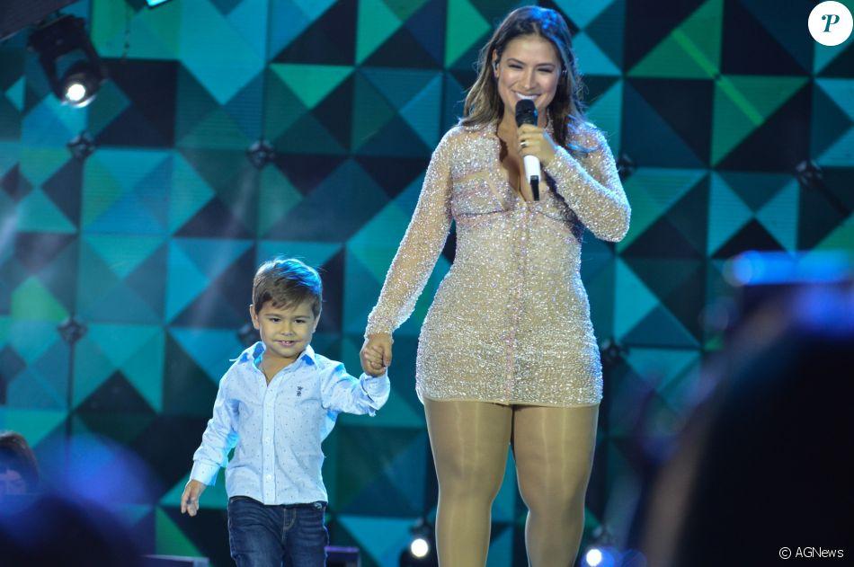 Demi Lovato no Brasil surpreende fãs durante show