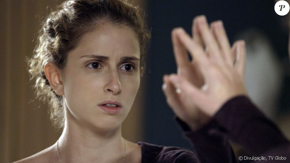 Ivana (Carol Duarte) resolve mudar de sexo, em cena prevista para ir ao ar no capítulo do dia 29 de julho da novela 'A Força do Querer': 'Não sou mulher!'