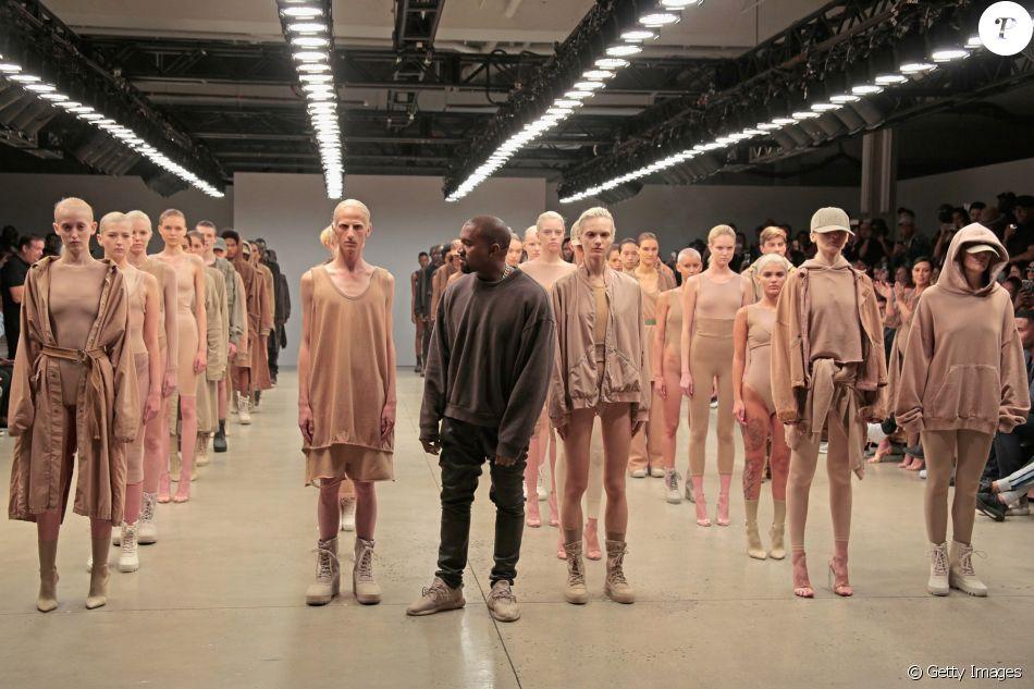 b66cb1cd56 O rapper Kanye West fez sucesso ao abraçar variedades de nudes em sua  coleção Yeezy