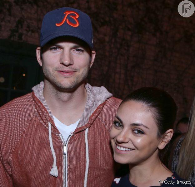 Ashton Kutcher negou ter traído a mulher, Mila Kunis, após fotos em revista no domingo, 9 de julho de 2017