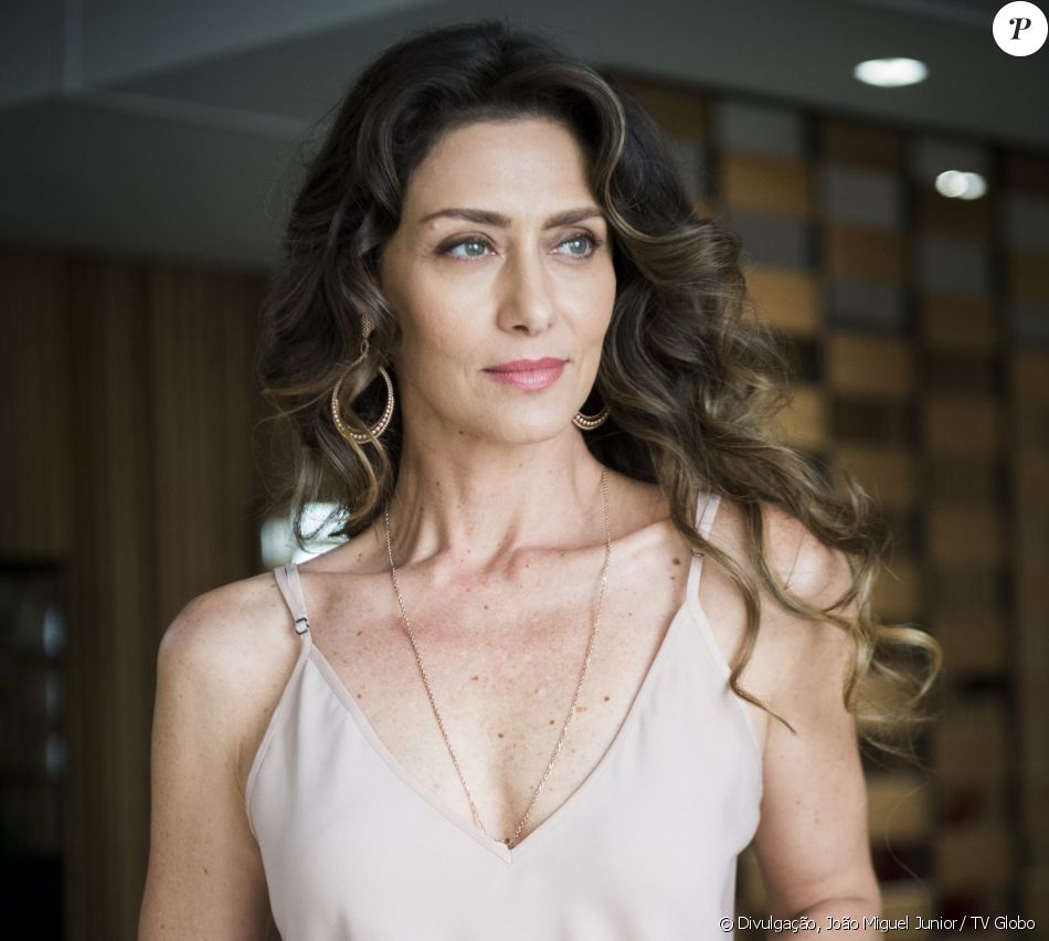 Joyce (Maria Fernanda Cândido) decide se divorciar, na novela 'A Força do Querer', a partir de 24 de julho de 2017