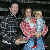 Sophie Charlotte e Daniel de Oliveira levam o filho à arraial de novela. Fotos!