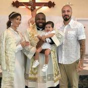 Ex-BBBs Fernando Medeiros e Aline Gotschalg batizam o filho, Lucca: 'Você é luz'