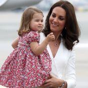 Kate Middleton e princesa Charlotte arrasam no look em viagem à Polônia. Fotos!
