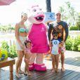 Wesley Safadão e a família celebram os 3 anos da filha caçula Ysis no Beach Park no Ceará