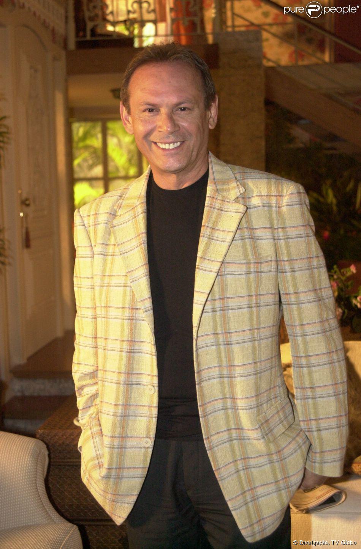 José Wilker morreu aos 66 anos na madrugada de sexta-feira, 4 de abril de 2014, na casa da namorada, Claudia Montenegro, em Ipanema, na Zona Sul do Rio de Janeiro