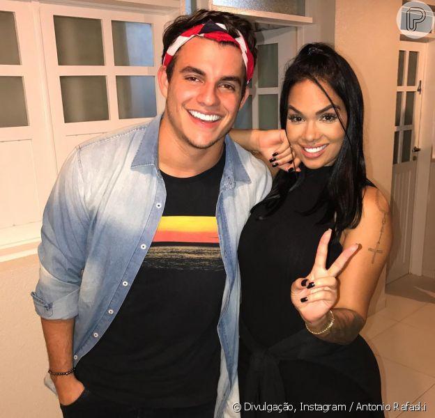 Ex-BBB Antônio Rafaski postou foto com Mayara Motti, com quem negou revival, nesta terça-feira, 18 de julho de 2017