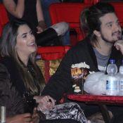 Luan Santana curte circo de mãos dadas com a namorada, Jade Magalhães. Fotos!