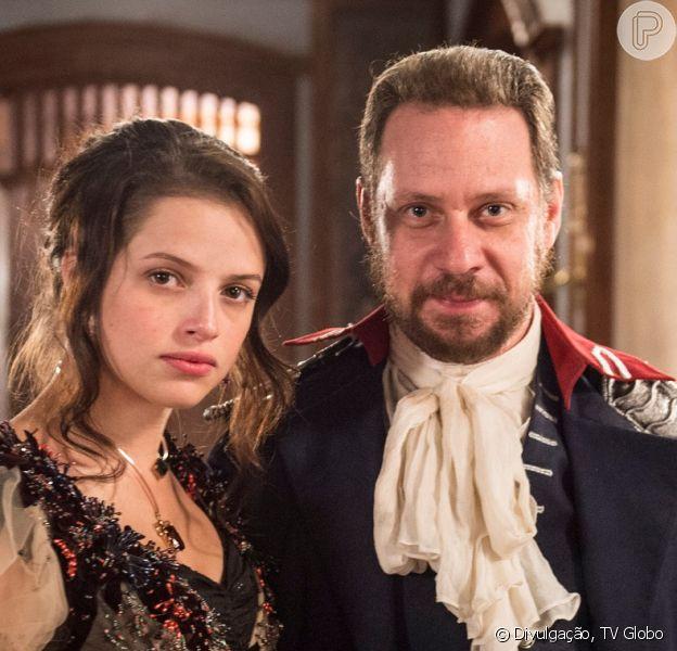 Domitila (Agatha Moreira) contrata assassinos para matar Felício (Bruce Gomlevsky), mas é enganada e tem todas as suas joias roubadas, na novela 'Novo Mundo'