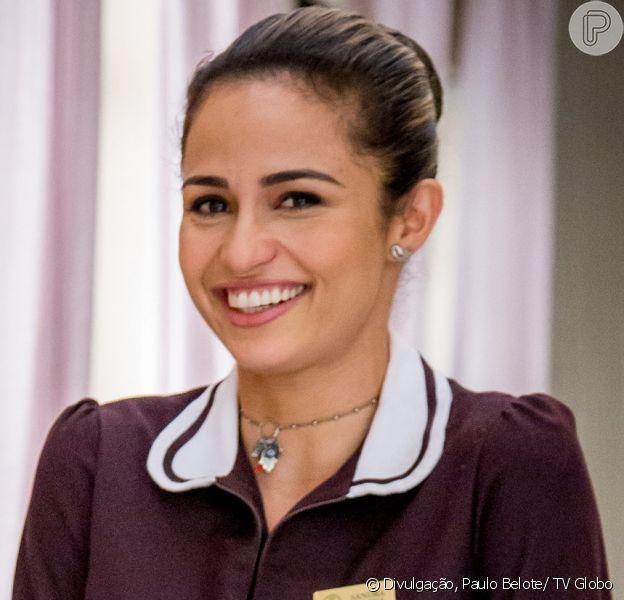 Sandra Helena (Nanda Costa) se torna herdeira de uma hóspede milionária do Carioca Palace, em 5 de agosto de 2017, na novela 'Pega Pega'