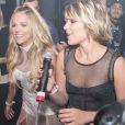 Isabella Santoni e Gabi Lopes cantaram juntas na festa de aniversário da atriz
