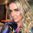 Deborah Secco disse que perdoou o namorado pela traição e parou de falar com Julia Faria