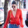 Kendall Jenner escolheu um look transparente para ir às ruas do bairro Chelsea, em Nova York, neste domingo, 30 de julho de 2017