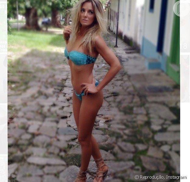 Ticiane Pinheiro posa de biquíni para campanha de Verão 2015 da Body for Sure (9 de abril de 2014)