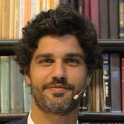 Bruno Cabrerizo, ator de 'Tempo de Amar', desconversa sobre crise em namoro