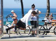 Caio Castro se exercita na orla da praia ao lado da mãe, Sandra. Veja fotos!