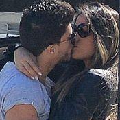 Mayra Cardi ganha beijos do namorado, Arthur Aguiar, em aeroporto do Rio. Fotos!