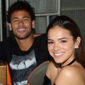 Bruna Marquezine canta música já dedicada por Neymar em peça de teatro. Confira!