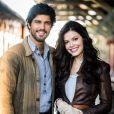 Vitória Strada e Bruno Cabrerizo como protagonistas da novela 'Tempo de Amar'
