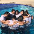 ' Desci às águas declarando minha Fé e Meu amor por Deus! Fui batizado junto do meu amor', escreveu Wesley Safadão em suas redes sociais