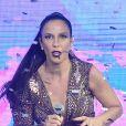 Ivete Sangalo passou por susto ao torcer o pé durante show em Brasília