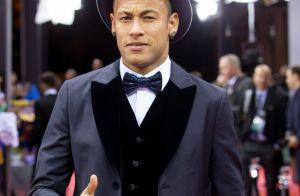 Neymar leva bronca do Detran por falta de cinto: 'Exigido pelos franceses'