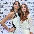 Marina Ruy Barbosa e Camila Queiroz optaram por looks brancos para o evento da Pantene