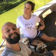 Maíra Charken e Renato Antunes esperam um menino e escolheram o nome de Gael para a criança