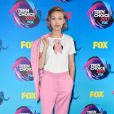 Grace VanderWaal usou sapatos  Minna Parikka   no Teen Choice Awards, realizado no Galen Center, em Los Angeles, neste domingo, 13 de agosto de 2017