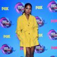 Ryan Destiny investiu em sobretudo  Damir Doma   no Teen Choice Awards, realizado no Galen Center, em Los Angeles, neste domingo, 13 de agosto de 2017