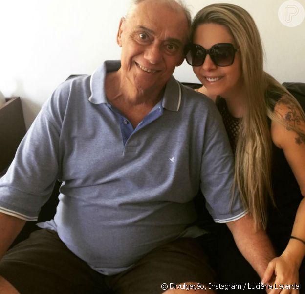 Em tratamento contra o câncer, Marcelo Rezende foi elogiado pela namorada, Luciana Lacerda, no domingo, 13 de agosto de 2017