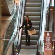 Mariana Rios faz passeio em shopping do Rio de Janeiro (15 de abril de 2014)
