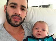 Gusttavo Lima posa com o filho, Gabriel, e fãs notam semelhança: 'A cara do pai'