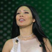 Simaria, dupla de Simone, chora em show ao lamentar falta de voz: 'Muito triste'