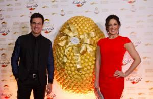 Claudia Raia é mestre de cerimônia em leilão de ovos de Páscoa em São Paulo